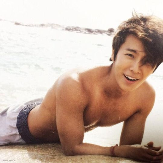 Donghae~ Super Junior | Omg he is illegal
