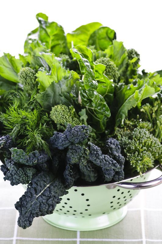 Dr. Phil's 20 /20 Diet Plan includes 20 foods, such as Leafy Greens