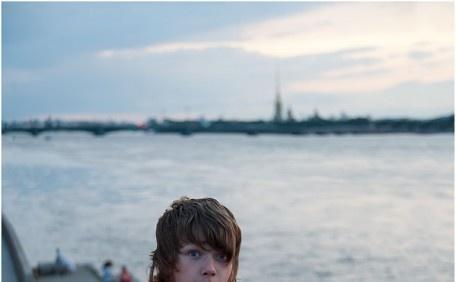Юный маляр ночной смены Литейного моста.