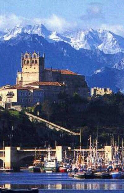 San Vicente de la barquera Santander , España