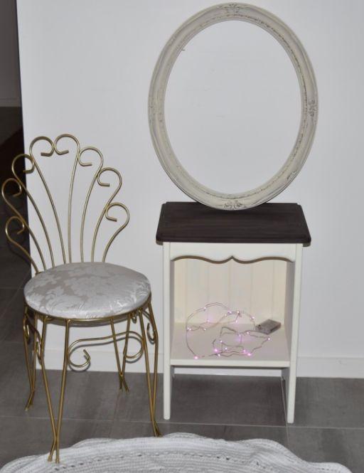 Little bedside table - $25