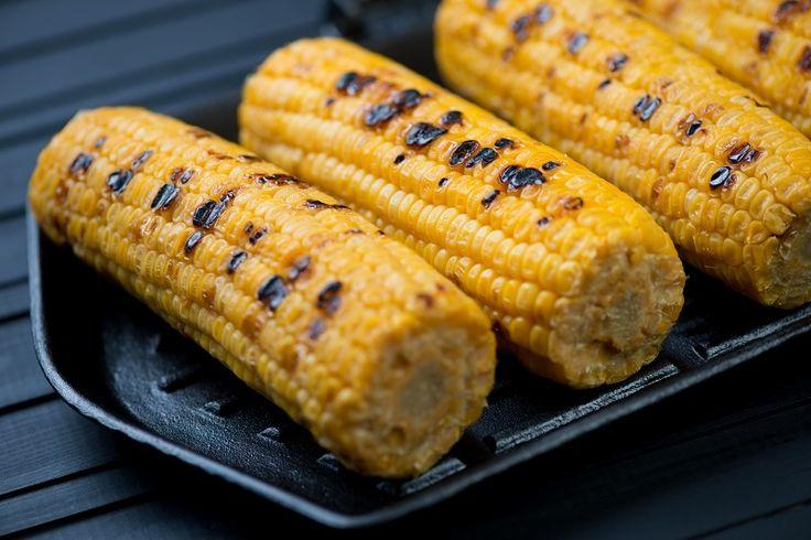 Grillowana kukurydza z masłem i szczyptą soli