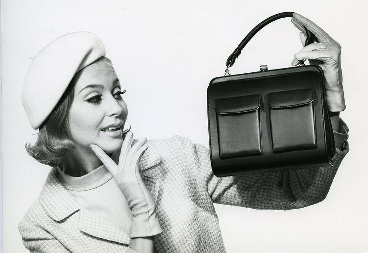 Laukkumuotia 1960-luvulta | Aikakone #käsilaukut #muoti #1960luku