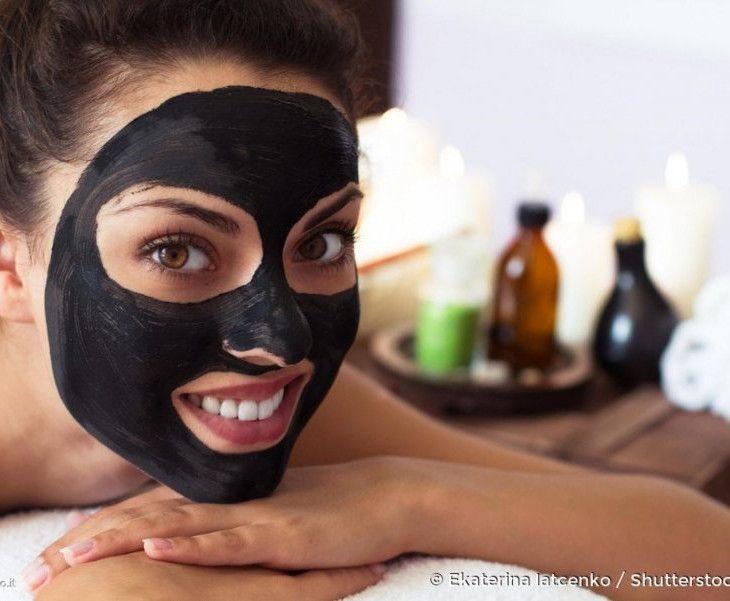 Dite addio ai punti neri: ecco come preparare una Peel Off Mask in casa!