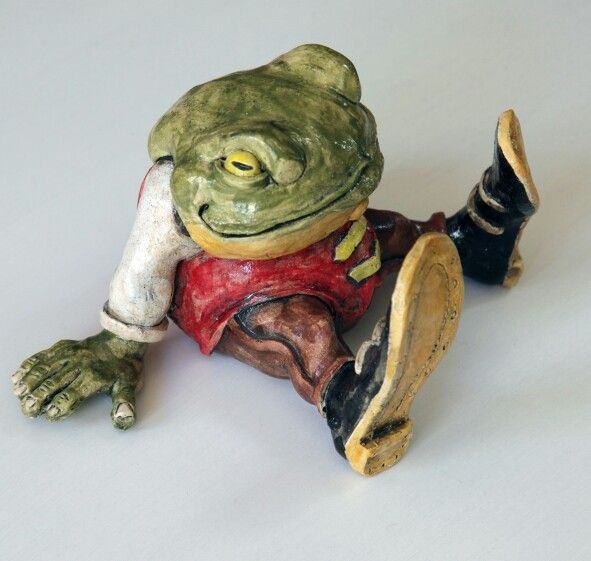 Toad ceramic by Glen Colechin