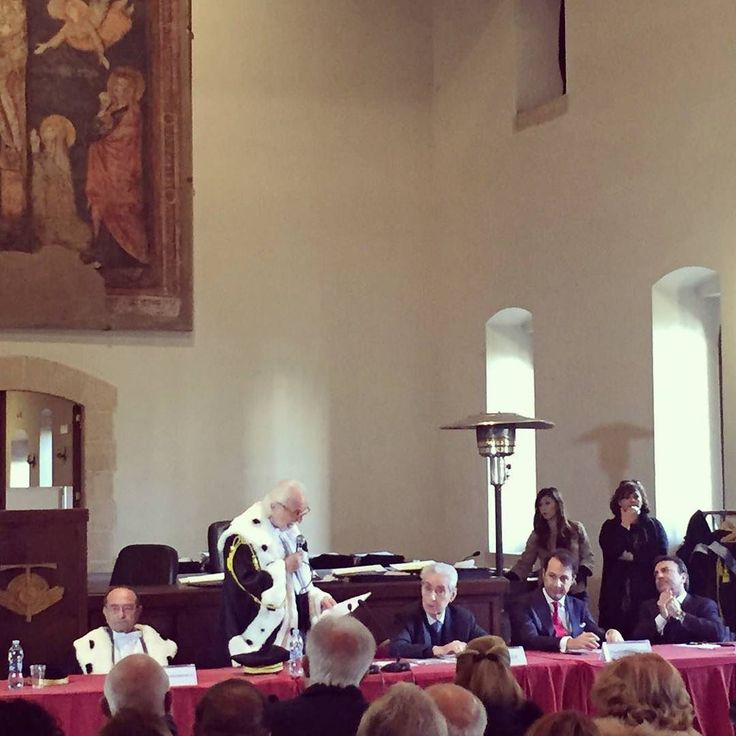 Cerimonia di consegna delle pergamene di laurea con la Lectio magistralis del professor Stefano Rodotà #napoli #santachiara  #unipegaso