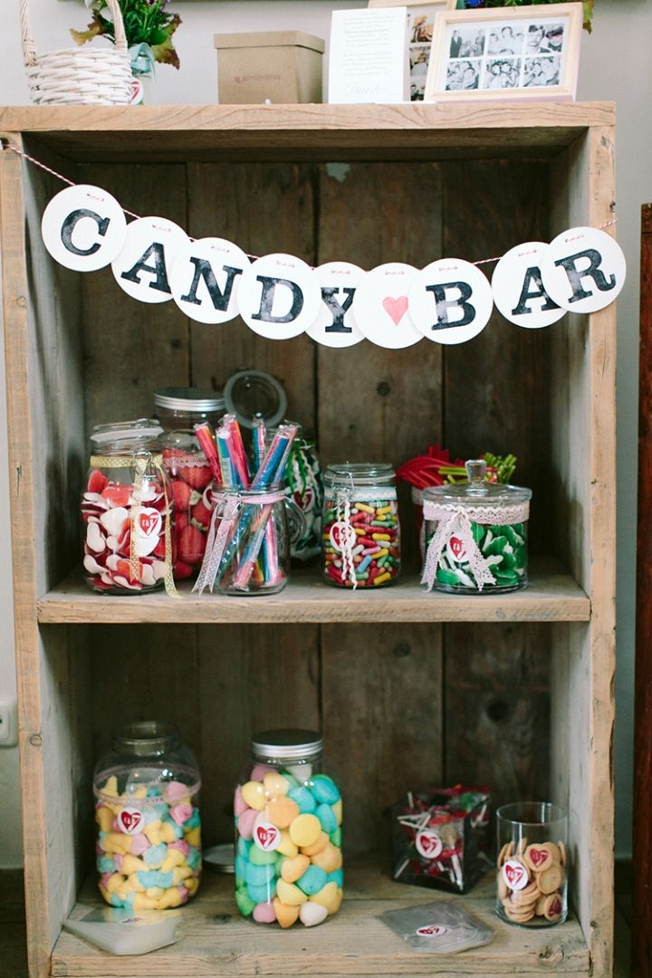 CANDY BAR garland