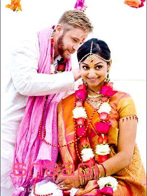 Tones of love #indianweddinggarlands #shaadimagazine  #andrenaphoto