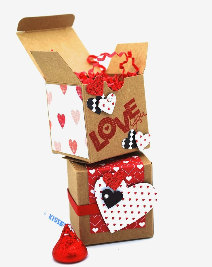 Take look at these adorable Valentine's Mini Treat Boxes!  These boxes are from the Occasion Catalog and you get 25 boxes for only $6.95 which will be great for any kids class or co-workers!