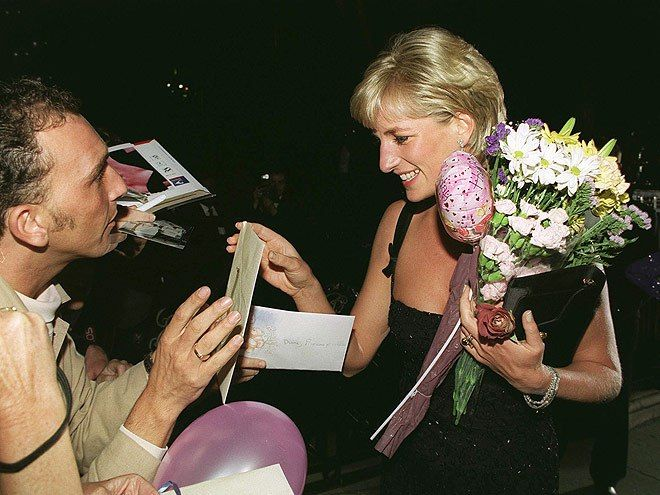 Αποτέλεσμα εικόνας για PRINCESS Diana 1 July 1997 attending the Tate Gallery's 100th anniversary celebrations PICS