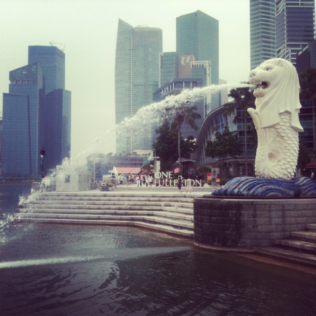The Merlion in Singapore - one of the city's best known landmarks #singapore #merlion