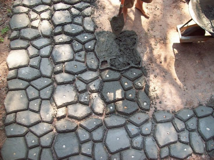 How To Use Concrete Patio Molds : RugDots.com
