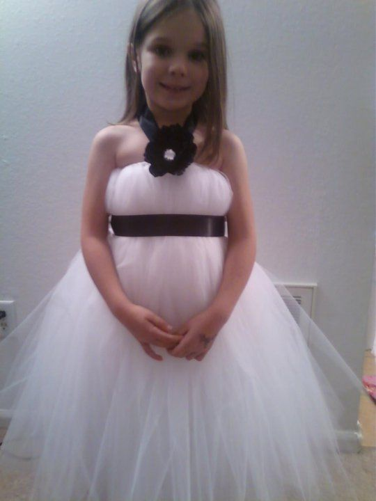 How to make a tutu dress - I want to make one of these in fall colors and make a head wreath out of fall leaves and maybe a wand for Sophie's Halloween costume this year... Fall fairy...