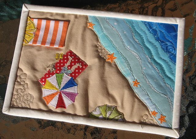 Mug Rug Complete | Flickr - Photo Sharing!  Beach day - so stinkin' cute!  Some people are SO creative!