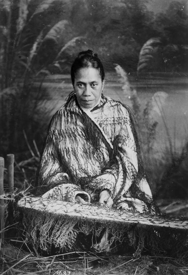 Topic: Korowai style of cloak   Collections Online - Museum of New Zealand Te Papa Tongarewa