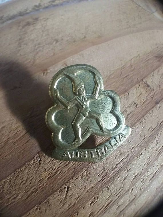 Vintage Girl Guides Badge Australian Girl Guides Pin Brownies