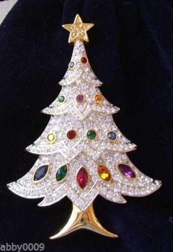 2000-Signed-Swan-Swarovski-Pave-Multi-Colored-Christmas-Tree-Brooch-Pin