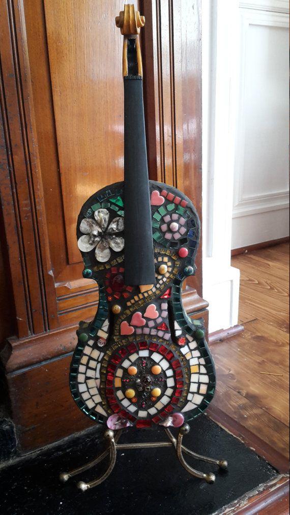 Prachtige viool, originele handgemaakte mozaïek kunstwerk.