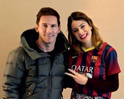 Tini a rencontré Messi lors de la tournée en Espagne. Le footballeur lui a même offert le maillot du barça