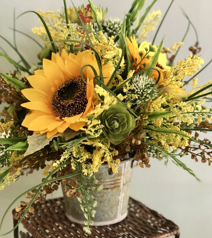 The Colleen sunflower centerpiece for table~farmhouse decor~rustic decor~summer centerpiece~fall centerpiece~ yellow sunflower arrangement