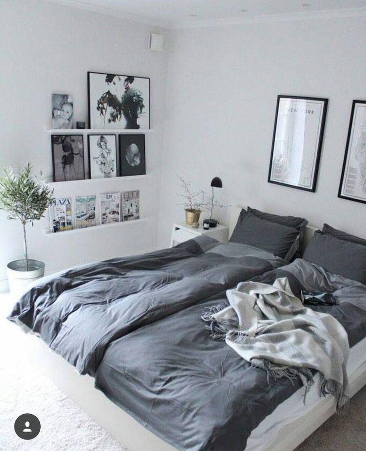 E para um sábado nublado como hoje, nada como uma cama macia e aconchegante como essa! #cama #camacasal #quarto #quartocasal #quadros #decor #decoracao #brancoecinza #designer #montandomeuape