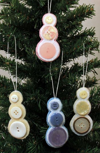 Button snowman ornament -- what a great use of some of Granny's old buttons