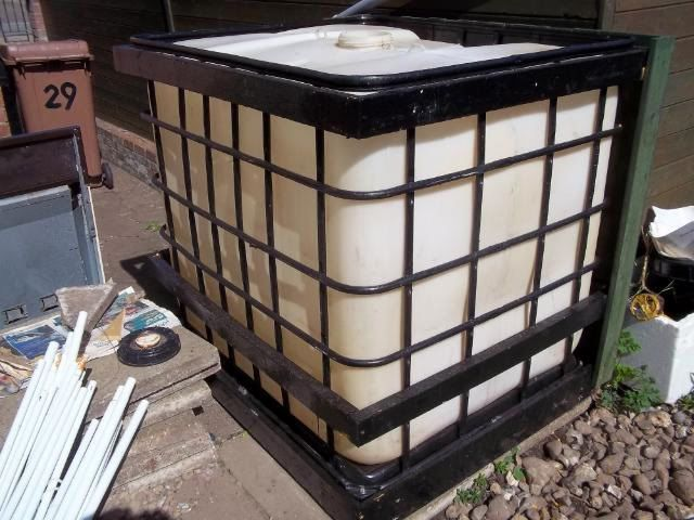 Cladding A 1000 Ltr 250 Gallon Ibc Water Tank Water Tank Water From Air Hot Tub Garden