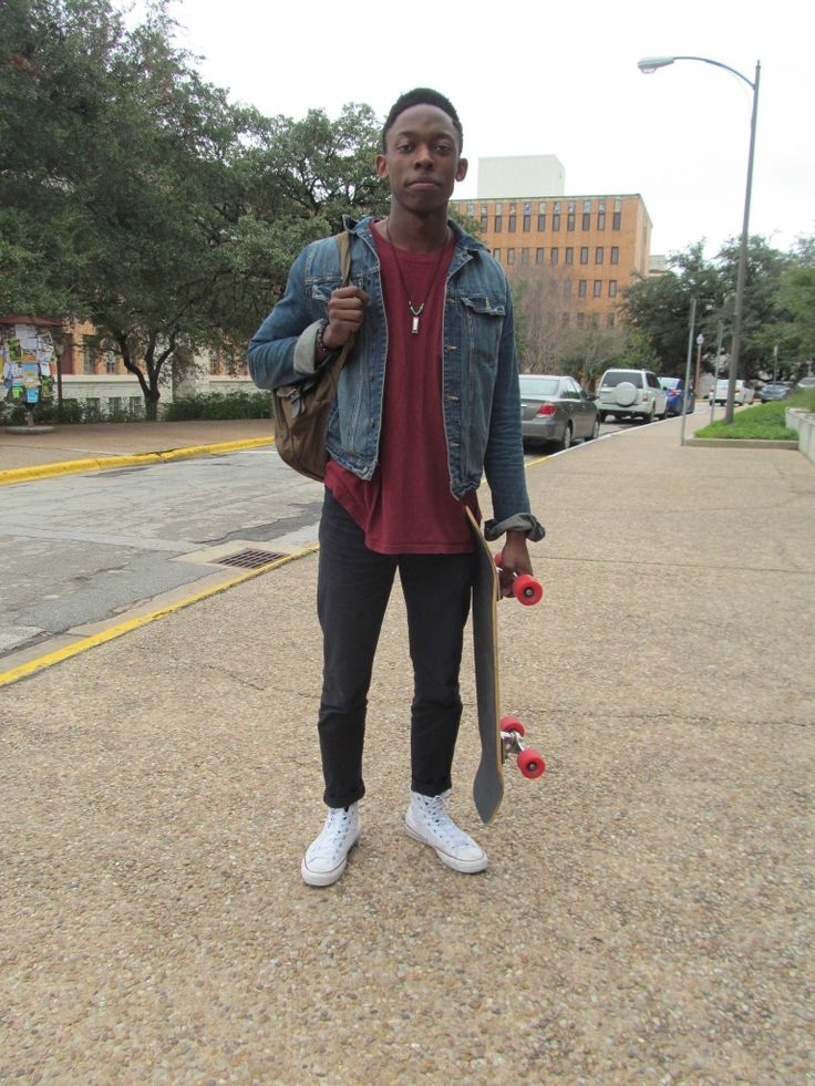 Check out this ultra-stylish Fashionista at #UTAustin! #CollegeFashionista #converse #style #mens