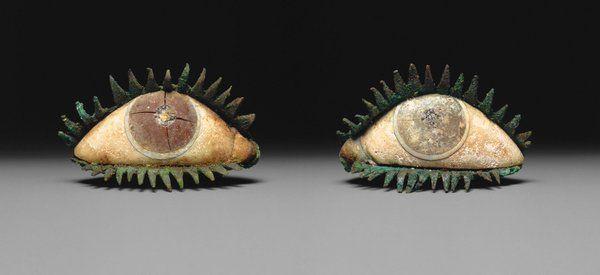 Occhi di statua greca , periodo classico , marmo , quarzo ,ossidiana Metropolitan Museum di New York.