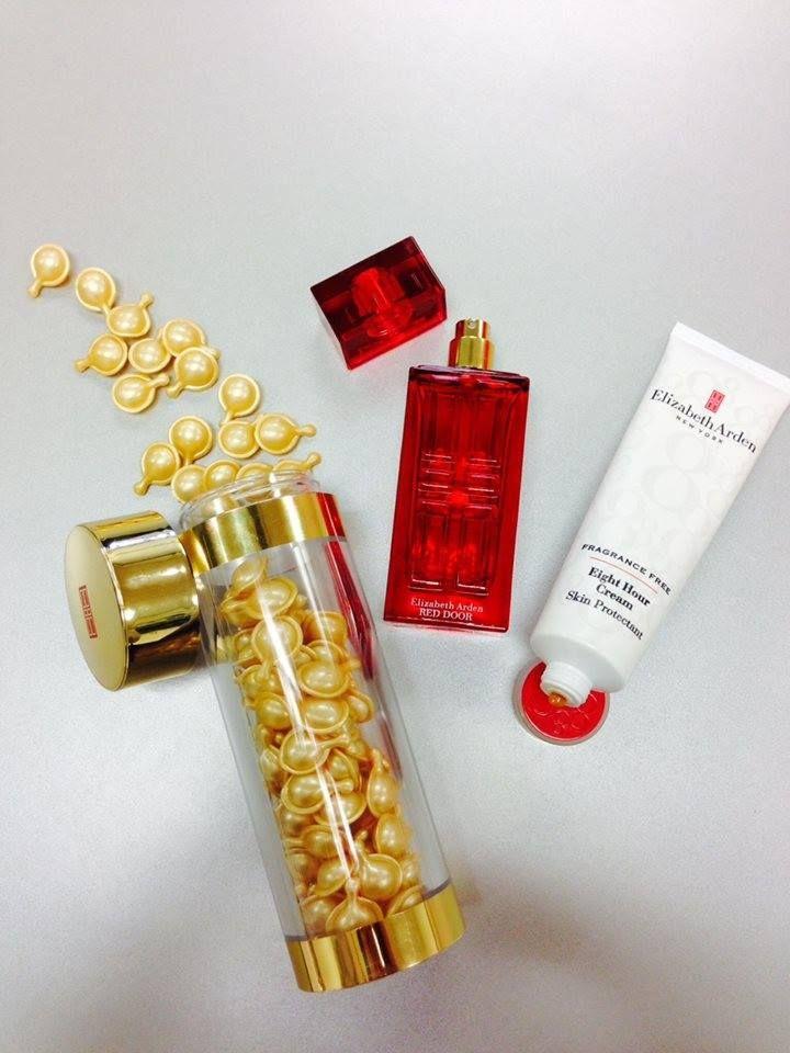 Hoy nos preparamos con estos 3 productos esenciales de #ElizabethArden #Ceramide #RedDoor #8Hour