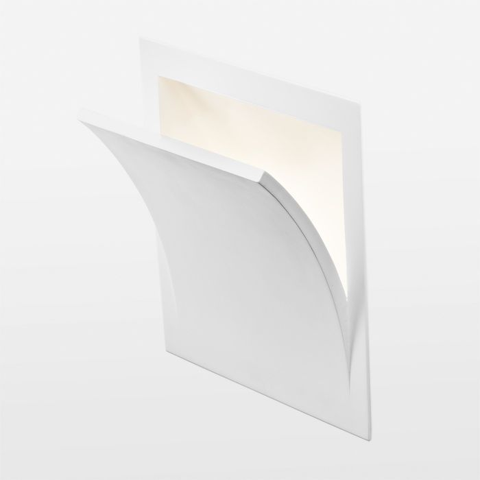 SPIRIT | rendl light studio | Recessed wall light in plaster for an E14 low energy light source that shines upwards. Can be colored with regular wall paint. The light protrudes 9 cm from the wall. #lighting #interior #recessed