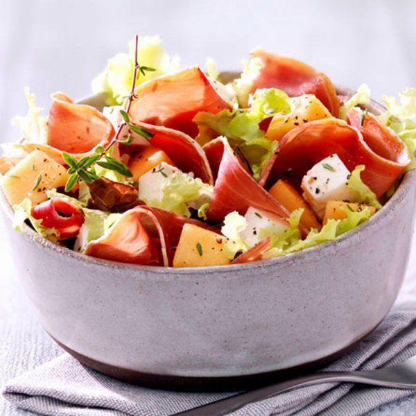 Salade, melon, fromage de brebis et jambon de Bayonne