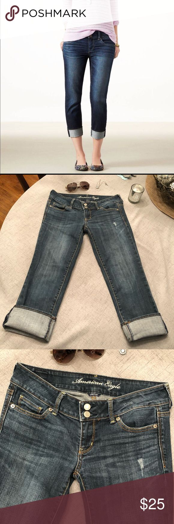 American Eagle Artist Crop Jean Capris Denim American Eagle Artist Capris, can be worn cuffed or straight. Size 4, stretchy, in perfect shape.  Happy to bundle, I will promptly answer any questions :) Follow me to see new items.   Clean, non smoking home. American Eagle Outfitters Jeans Ankle & Cropped