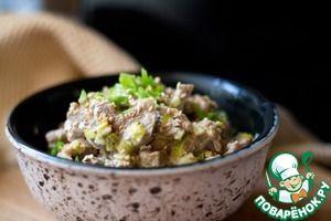 Свиная вырезка с кунжутом и имбирем в сливочно-чесночном соусе
