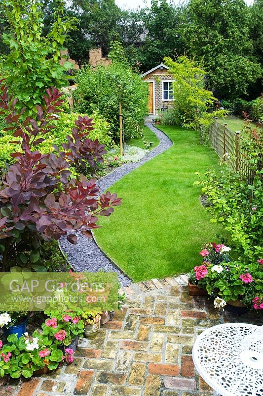 40+ Pictures Of Long Narrow Gardens