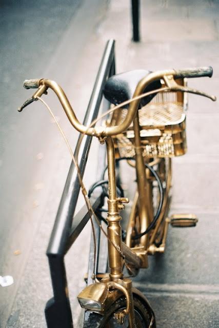 Gold bicycle, via Habitually Chic.: Riding A Bike, Sprays, Bicycles, Goldbike, Gold Bike, Bikes, Black Gold, Vintage Bike, Stay Golden