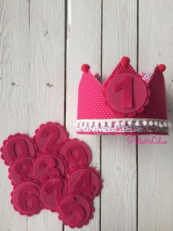 Corona de Cumpleaños 100% hecha a mano. Con números del 0 al 9 incluidos
