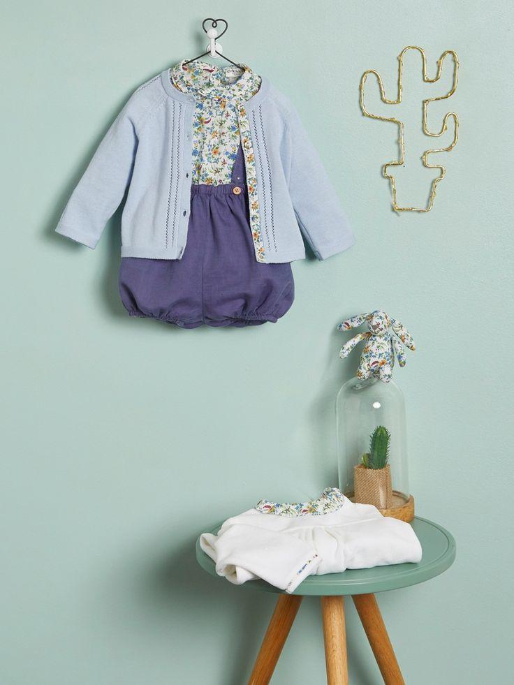 Silhouettes Cardigan bébé encolure v + Guimpe Liberty® bébé + Bloomer bébé réversible + Dors-bien velours et Liberty® + Cloche en verre -