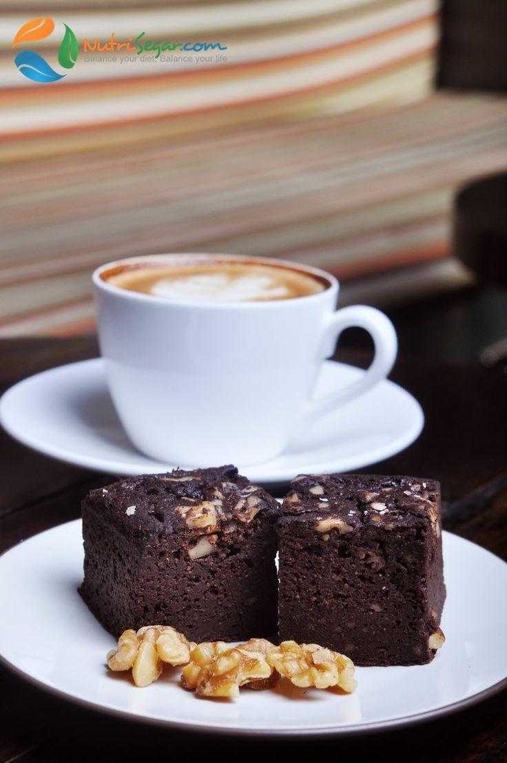 Nutrisegar healthy snack - Chocolate Brownie  http://nutrisegar.com/snacks/