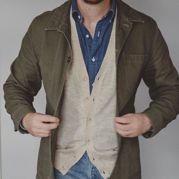 You know I have to bring the Doyle out for the weekend. @epaulet olive canvas Doyle jacket @spiermackay denim shirt @asos cardigan and @orslow 107 3 year wash denim via @brooklynclothing . . . #epaulet #spierandmackay #asos #orslow #selvedgedenim #rakish #rakishgent #classicmenswear #stylishmen #menstailoring #stylishgent #madetobeworn #styleforum #dandystyle #mnswr #ptoman #mensweardaily #menswearblog #mensjackets #style #stylish #fashion #menstyle #mensfashion #menswear #menwithclass…