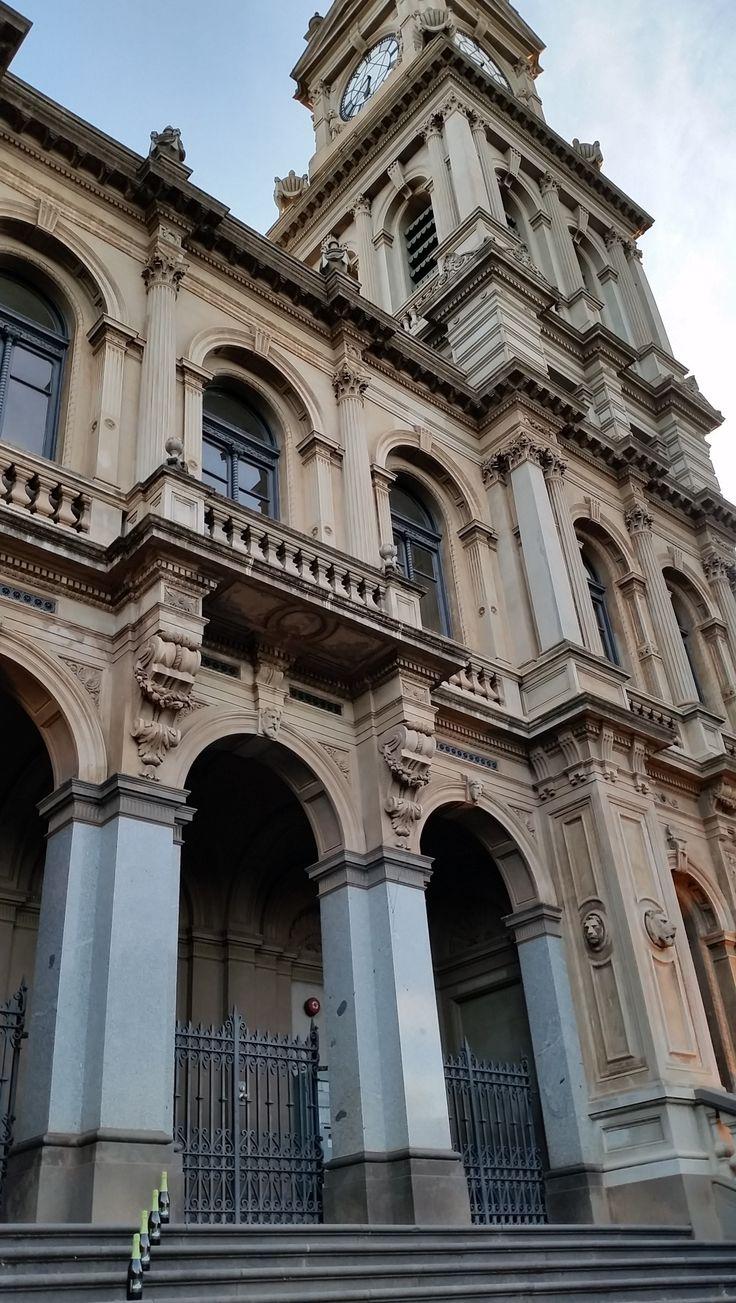 Bendigo Town Hall (1886) remodelled to a master plan by Bendigo architect William C. Vahland http://vhd.heritagecouncil.vic.gov.au/places/125