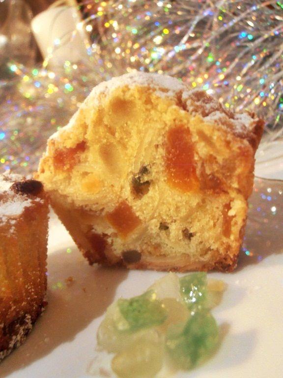 A Stollen / Christstollen, eredeti fordításban: Krisztuskalács.../ egy ismert Német Karácsonyi péksütemény, melynek formája és kinéze...