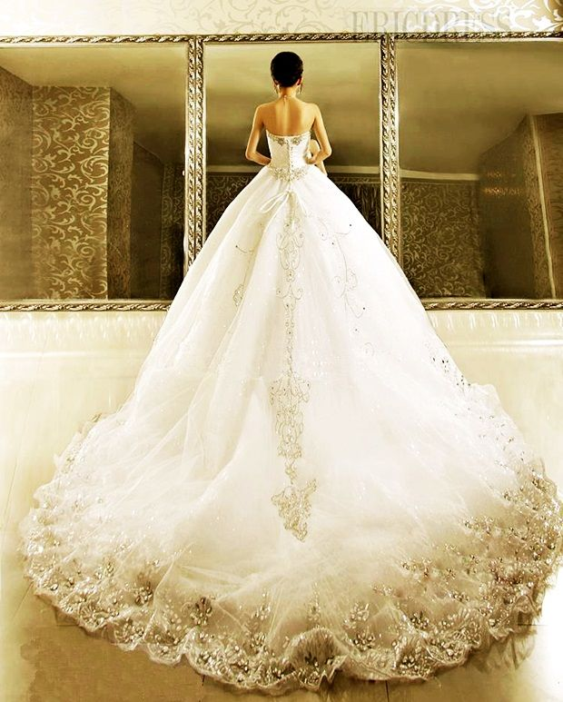 Cathedral Wedding Gowns: 17 Best Ideas About Cathedral Wedding Dress On Pinterest