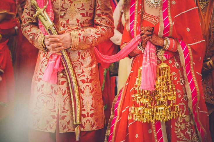 Three-tier plain golden kalire, Three-tier plain golden kalire is what every bride needs for her wedding  #trending #trendingbridalaccessories ##accessoriesideas #latestbridaltrend #goldenkalire #beautifuljewellery