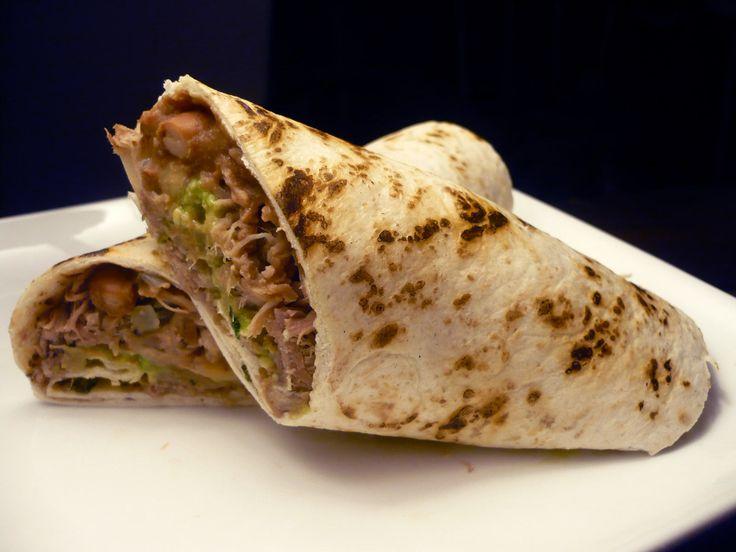 Nel Messico settentrionale è uno snack di strada composto da una piccola tortilla  arrotolata con uno o due ripieni, generalmente carne e...