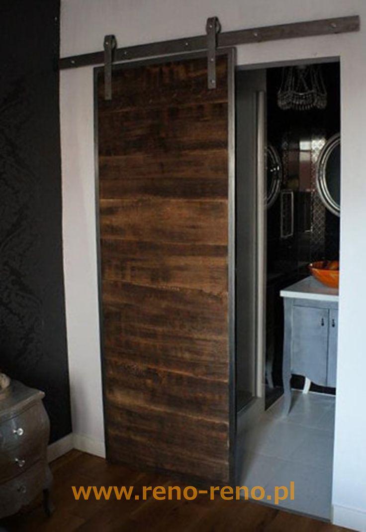 Drzwi przesuwne w stylu lekko industrialnym. Pracowania Reno.