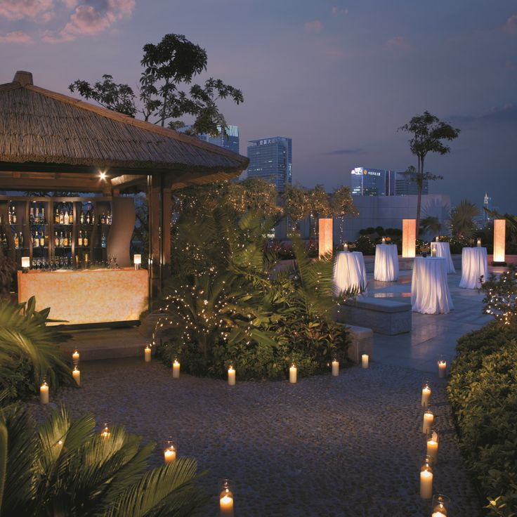 Sited at the heart of Futian Shangri-La, #Shenzhen is the airy 700-square-metre Roof Garden. The open space has its own bar, unobstructed city views and a pathway that can be candlelit for a cocktail soiree for 200 guests, offering a distinctive choice of a #RomanticWedding.