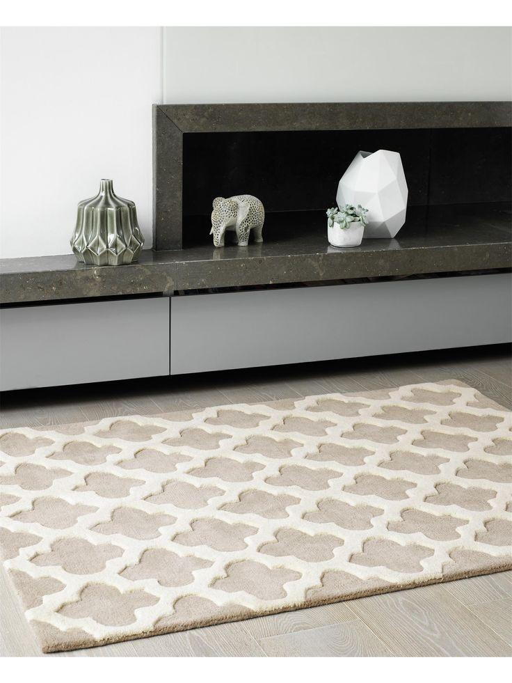 Der moderne Teppich Artisan von benuta verbindet orientalische Anklänge mit zeitloser Eleganz. Gefertigt aus edler Wolle ist er sehr hochwertig und langlebig.