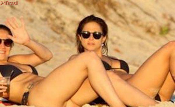 Logo eu: Fernanda Gentil usa meme e repercute praia com namorada