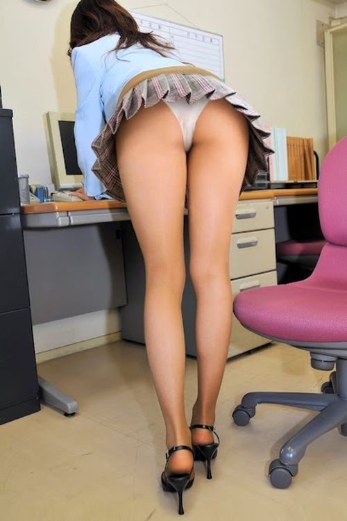 sexy-office-upskirt